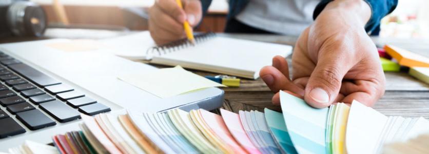 経験豊富なプロのデザイナーが会社のロゴマークを作成